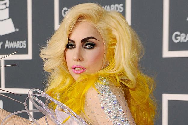 lady gaga in yellow - photo #23