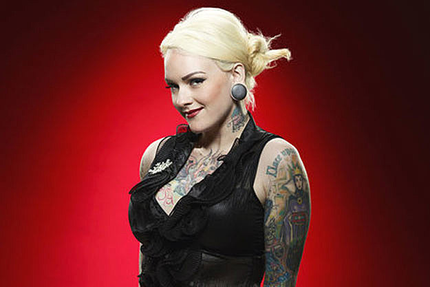 Emily Valentine Of U0027The Voiceu0027 Spills On Her Crush, Dream Of Opening For  Cee Lo