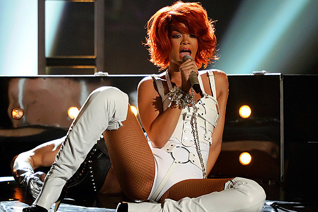 Rihanna Gives Female Fan a Lap Dance