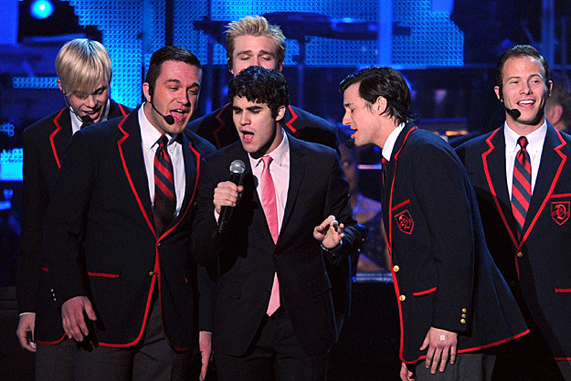 Darren Criss and the Warblers Sing Teenage Dream