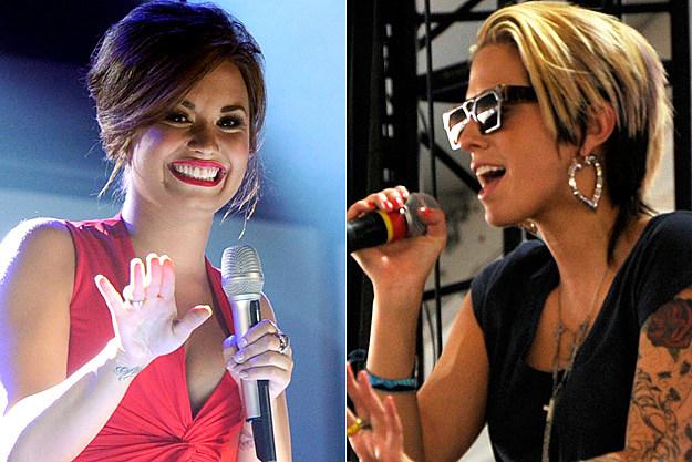 Demi Lovato, Dev