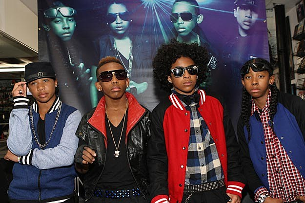 Mindless Behavior  who admitted that they would definitely date a fanMindless Behavior And Their Girlfriends