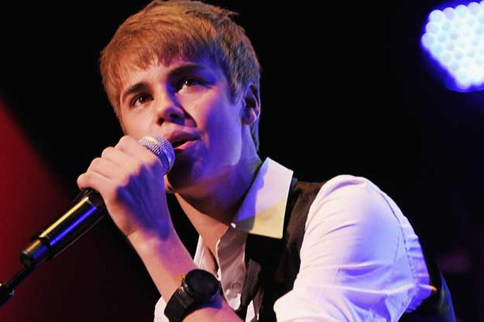 Justin Bieber Reveals \'Under the Mistletoe\' Track Listing