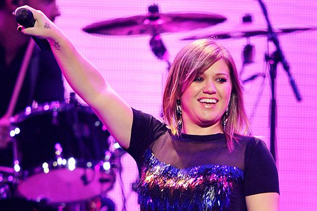 Kelly Clarkson Free NYC Show