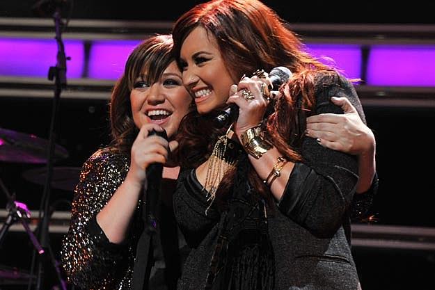 Kelly Clarkson, Dem Lovato
