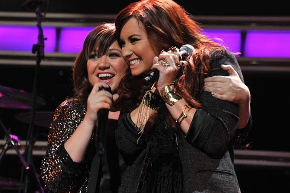Demi Lovato + Kelly Clarkson Duet \'Have Yourself a Merry Little ...