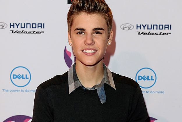 Justin Bieber Releases ANOTHER New Single: 'All Around The World' photo 1