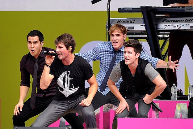 Big Time Rush Performs 'Music Sounds Better With U' On 'Ellen'