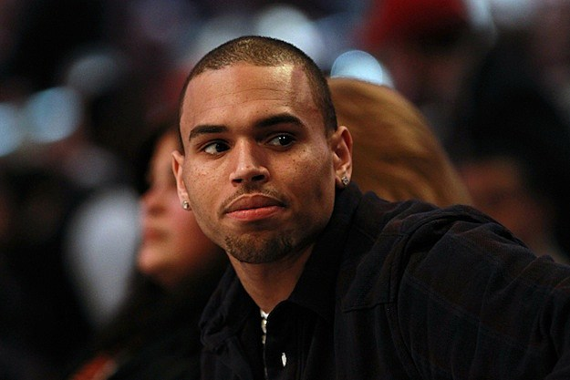 Chris Brown Internet Backlash: Writer Offers $1000 Bounty