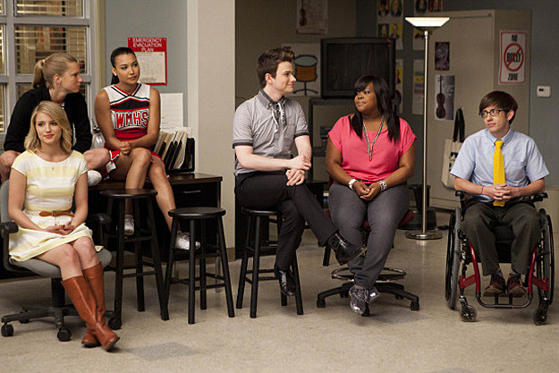 Diana Agron, Heather Morris, Naya Rivera, Chris Colfer, Amber Riley and Kevin McHale - Glee 'Goodbye'