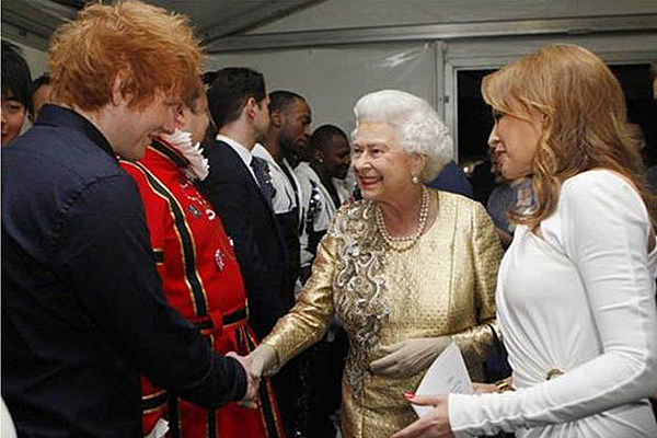 Ed Sheeran Meets The Queen Performs The A Team At The