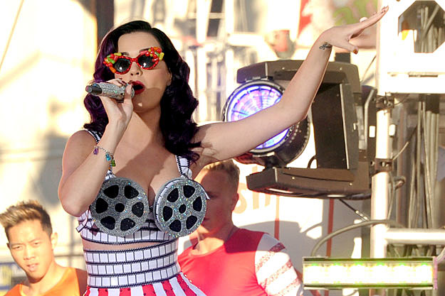 Katy Perry spinning bra