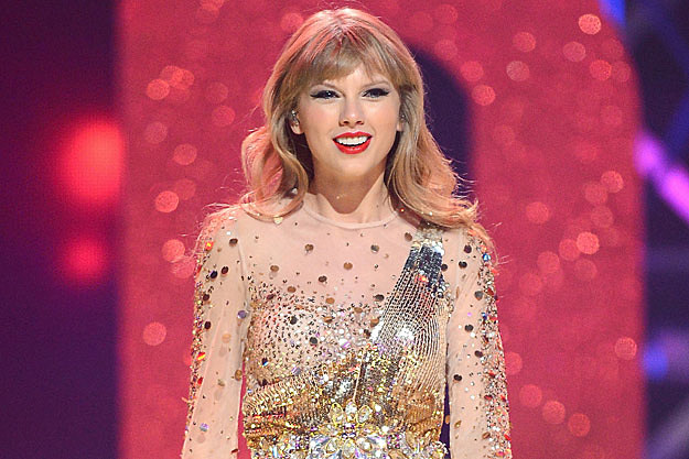 Taylor Swift Has Wardrobe Malfunction During Her iHeartRadio Performance