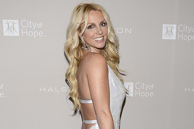 Britney Spears Gets Bangs