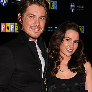 Pop Bytes: Taylor Hanson + Wife Welcome Baby + More : Surfme