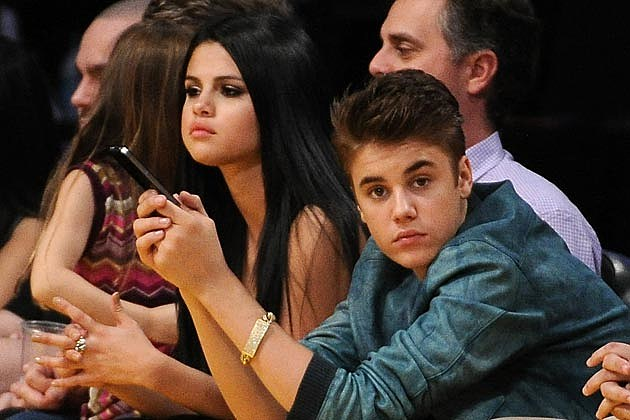 JelenaHH Justin Bieber + Selena Gomez Continue to Squash Breakup Rumors With Dinner Date