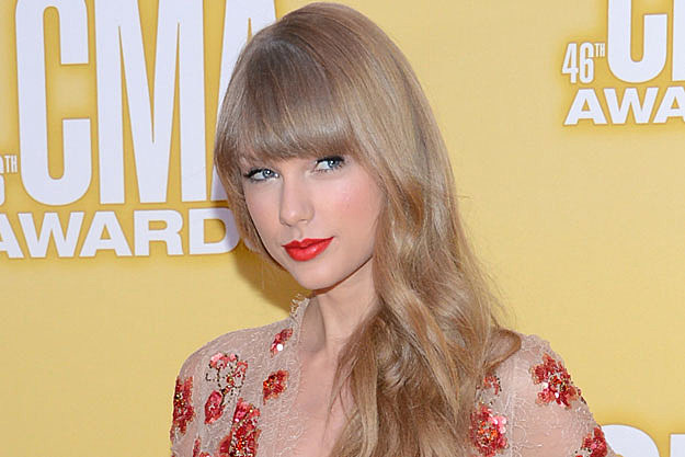 Taylor Swift Accused of Ripping Off Lyrics for 'All Too Well'