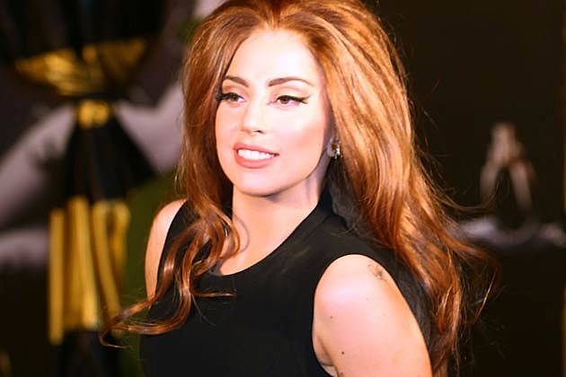 Lady Gaga Offers Christmas Shopping Advice + Money-Saving Tips Over Twitter