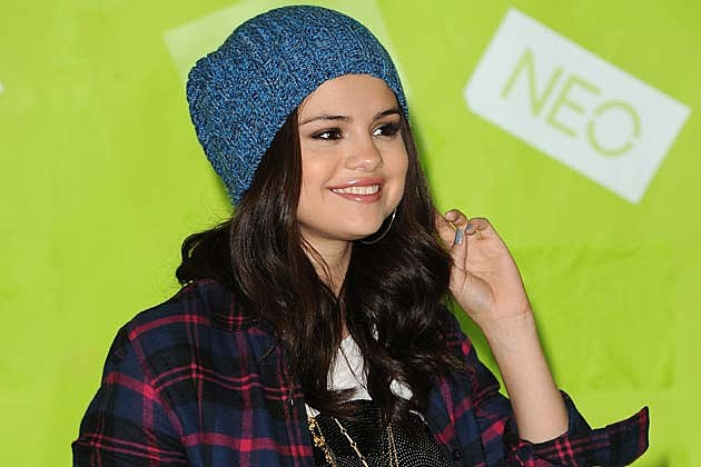 Selena Gomez to Host UNICEF Acoustic Charity Concert in NYC on January 19