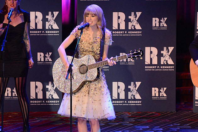 Taylor Swift Reveals the Best Christmas Gift She's Ever Received