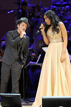 Bruno Mars Height
