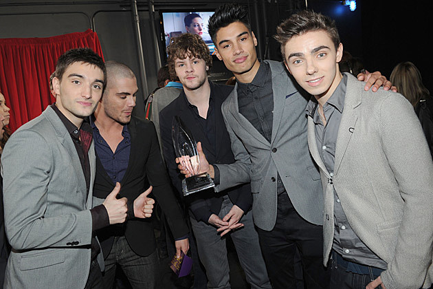 The Wanted Win Favorite Breakout Artist at 2013 Peoples Choice Award, Sing Impromptu Version of 'Afternoon Delight'