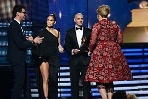 Adele Jennifer Lopez Grammy Crasher