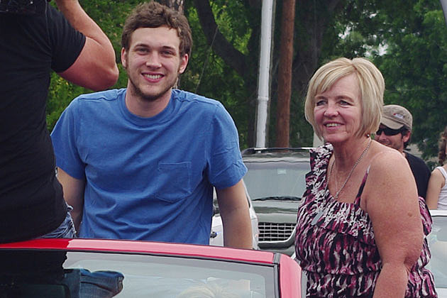 Phillip Phillips mother