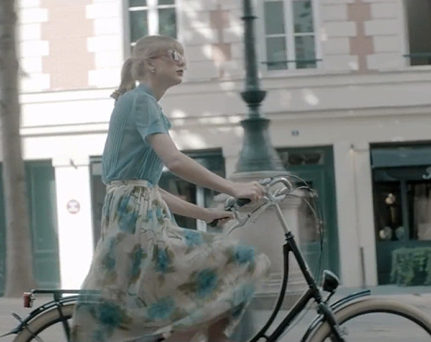 Taylor Swift Bike Ride