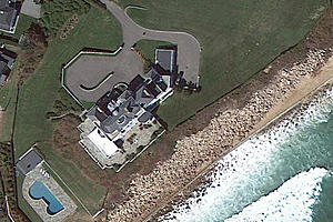 Taylor Swift Goes House Hunting in Rhode Island
