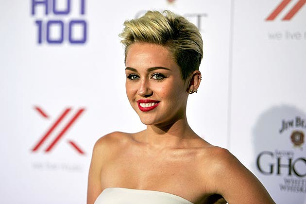 Miley Cyrus Maxin Hot 100