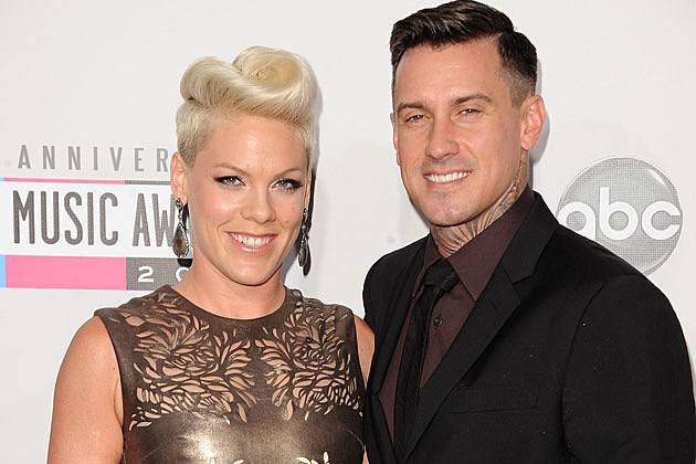 pink and carey hart relationship 2012