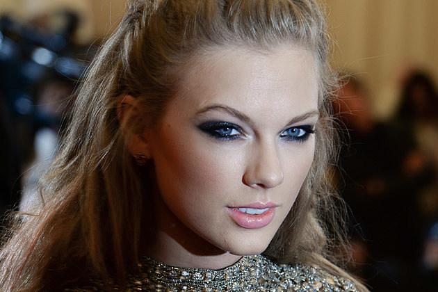 Taylor Swift Ey...