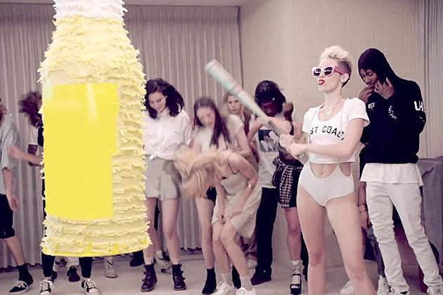 Miley-Cyrus-Pinata