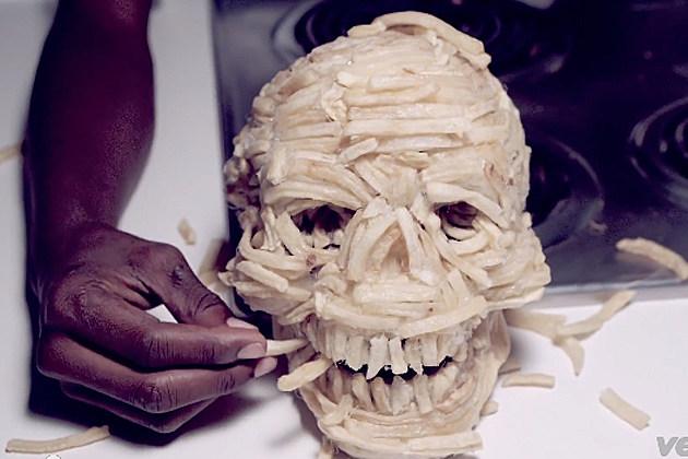 Miley-Cyrus-Skull