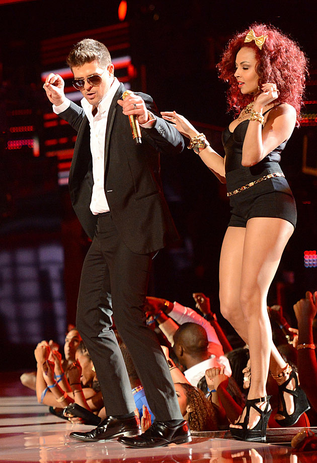 Robin Thicke BET Awards