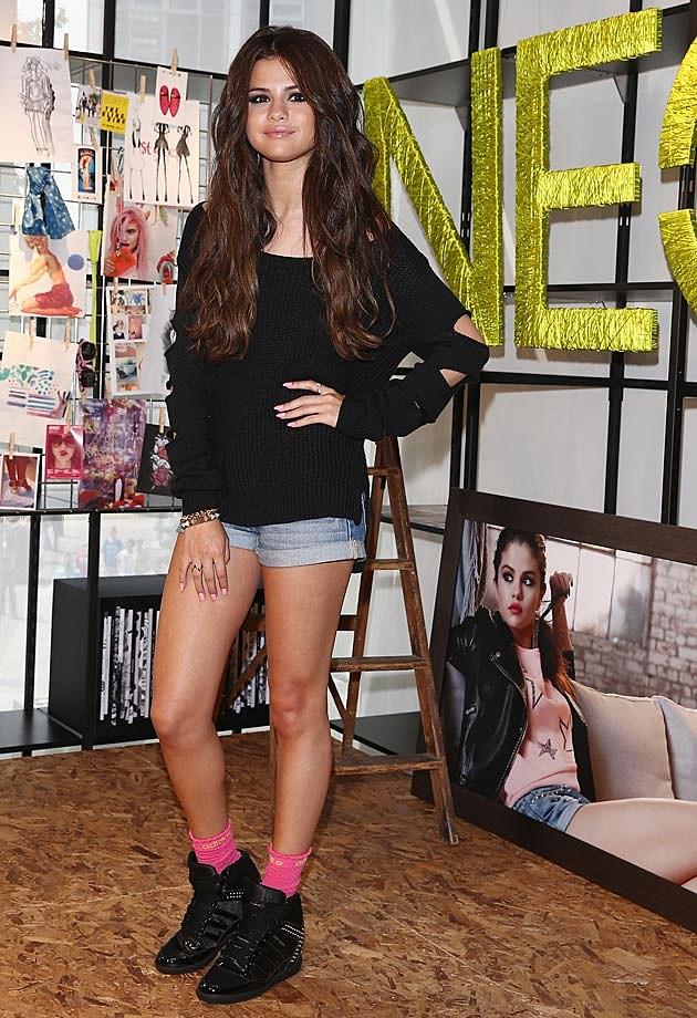 Selena Gomez NEO