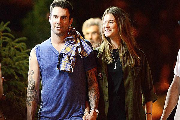 Adam Levine Behati Prinsloo Are Engaged