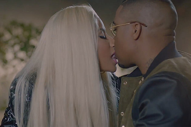 Nicki Minaj Nas Kissing