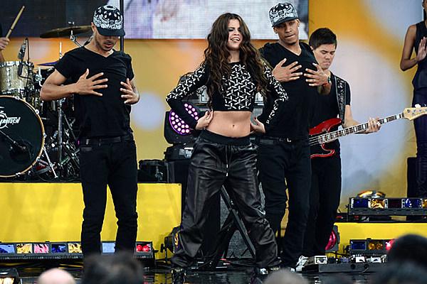 Selena Gomez Performs on 'Good Morning America'