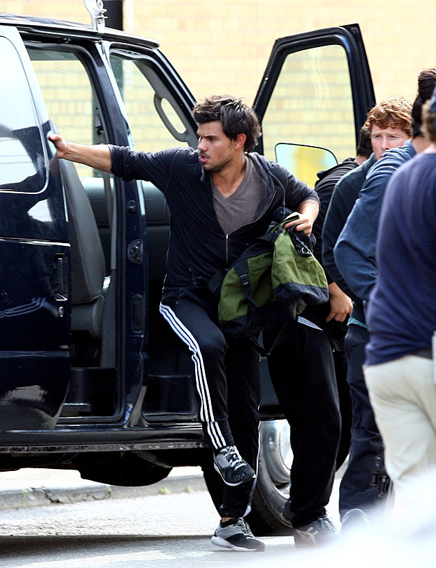 Taylor Lautner Tracers