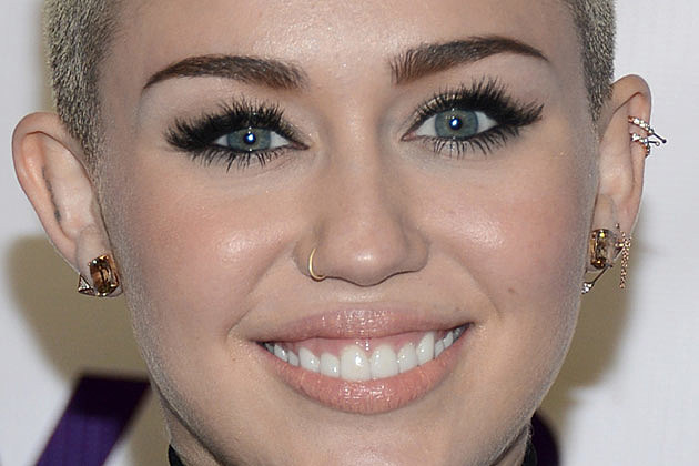 Which Singer Has the Best Nose Ring? - Readers Poll