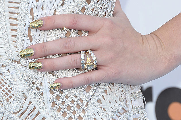 miley cyrus engagement ring pictures to pin on