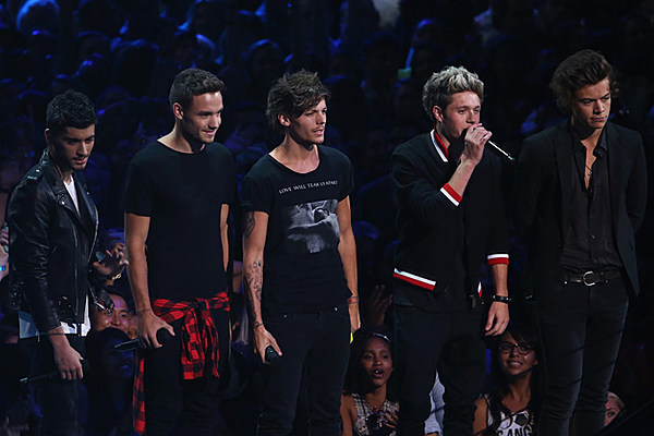 One Direction Perform 'Story of My Life' Live in Japan [VIDEOS]