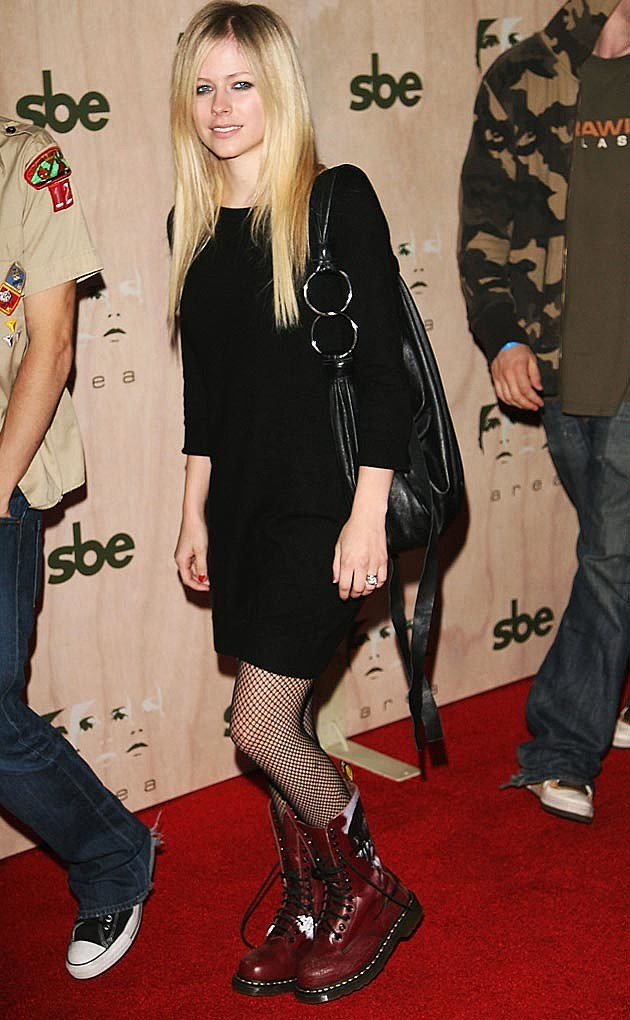 See Avril Lavigne S Style Evolution Through The Years