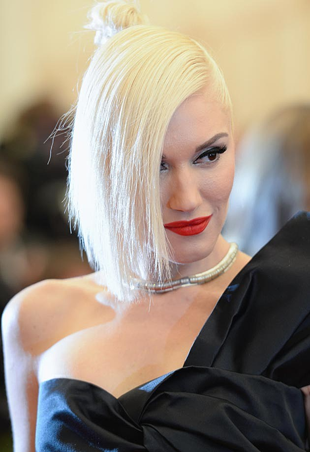 Gwen Stefani Deep Side Part