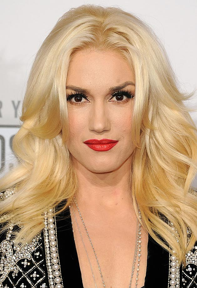 Gwen Stefani Long Wavy Hair