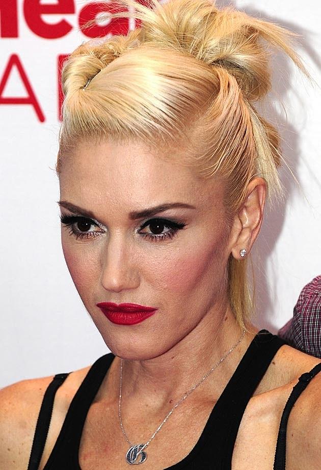 Gwen Stefani Topknot