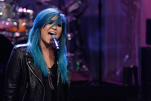 Demi Lovato Debuts Blue Hair + 'Neon Lights' on 'Leno' [VIDEO