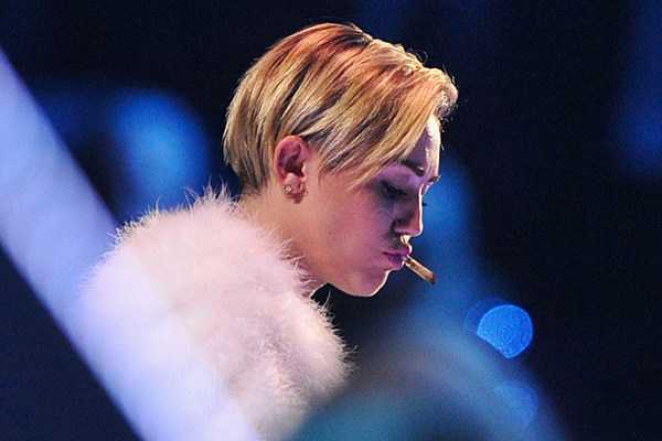 Miley Cyrus Confirms Smoking Marijuana at the 2013 EMAs